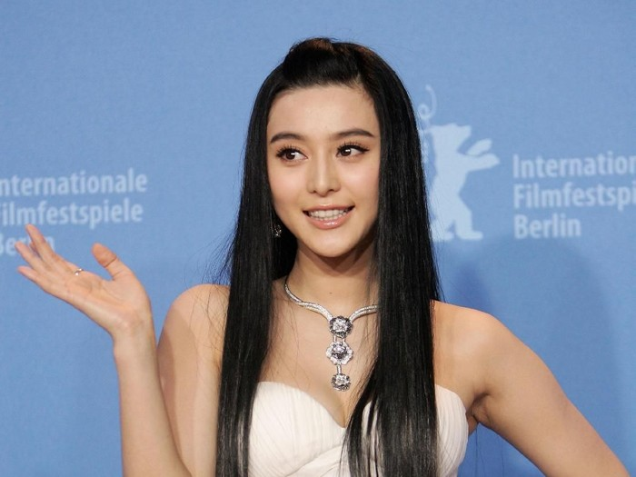 BERLIN - FEBRUARY 16:  Actress Fan Bing Bing attends a photocall to promote the movie Lost In Beijing during the 57th Berlin International Film Festival (Berlinale) on February 16, 2007 in Berlin, Germany.  (Photo by Sean Gallup/Getty Images)