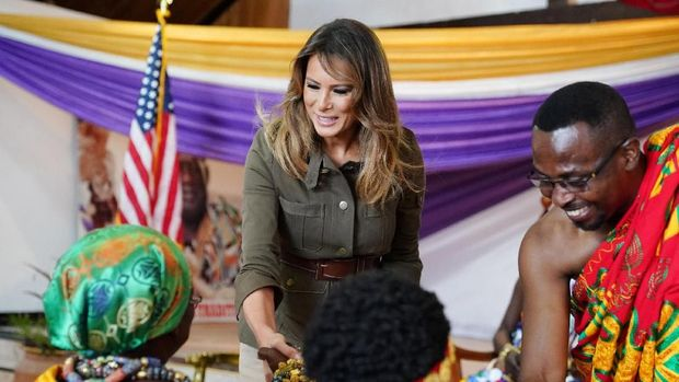 U.S. first lady Melania Trump meets with Fante chiefs to gain permission to visit Cape Coast castle, Ghana, October 3, 2018. REUTERS/Carlo Allegri