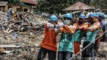 Melihat Pekerja PLN Berjibaku Perbaiki Jaringan Listrik Palu