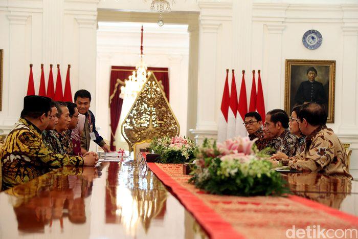 Pantauan detikFinance, Jakarta, Kamis (5/10/2018). Para pejabat BPK itu diterima langsung oleh Presiden Jokowi di Istana Merdeka, usai orang nomor satu di Indonesia ini menerima kontingen U-16.