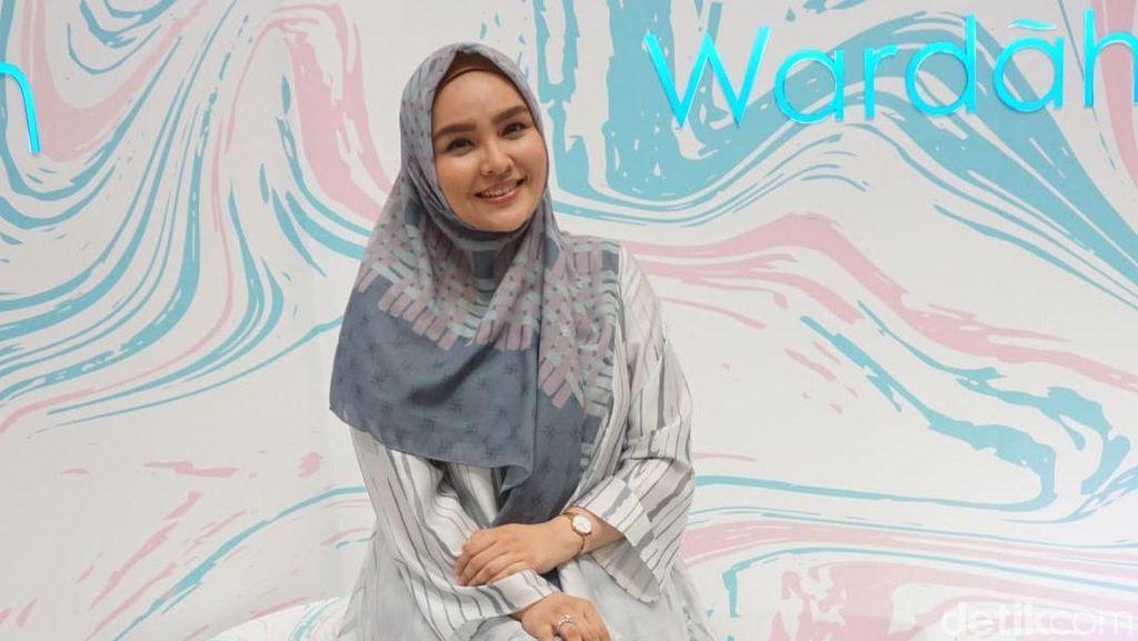 Wow! Baju Ria Miranda Kini Jadi Investasi Hijabers, Dijual Lagi Lebih Mahal