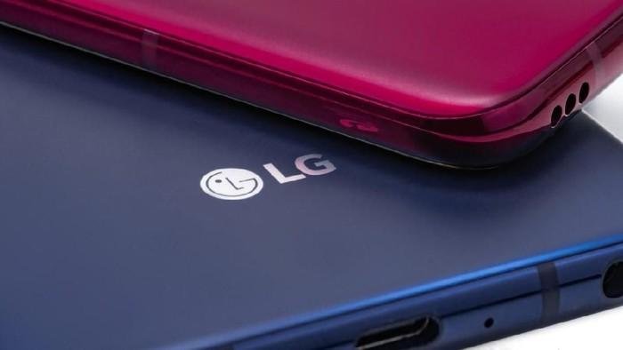 Ponsel baru LG, yaitu LG G8 ThinQ, bakal punya layar dan bisa dioperasikan secara touchless. Foto: LG