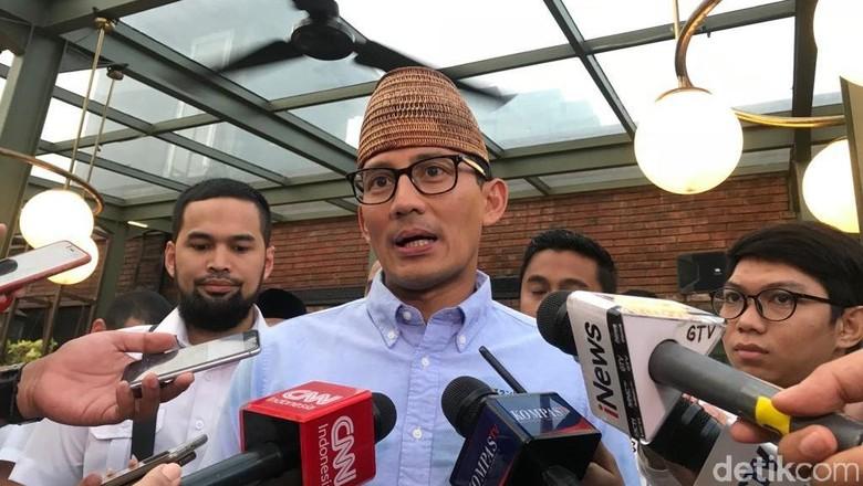 Cerita Politik Sandiaga: Chicken Rice hingga Brongkos