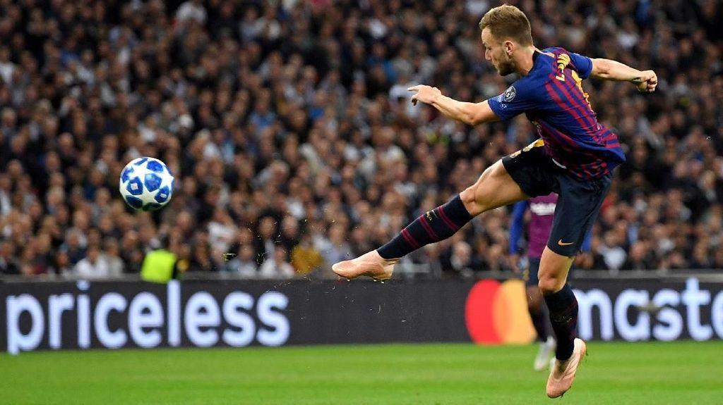 Ander Herrera Pergi, Manchester United Kejar Ivan Rakitic