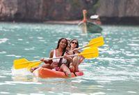 Banyaknya turis membuat terumbu karang di Maya Bay rusak (REUTERS/Soe Zeya Tun)