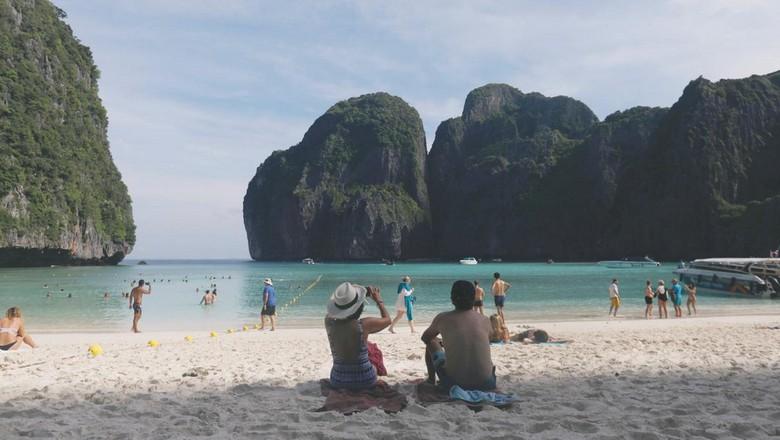 Maya Bay yang kini ditutup (REUTERS/Soe Zeya Tun)