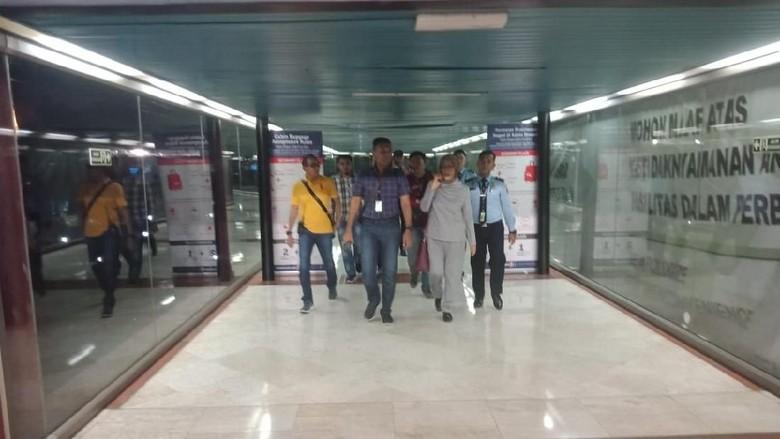 Potret Ratna Sarumpaet saat Ditangkap di Bandara Soetta