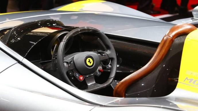 Ferrari Tanpa Atap Ini Cantik Banget