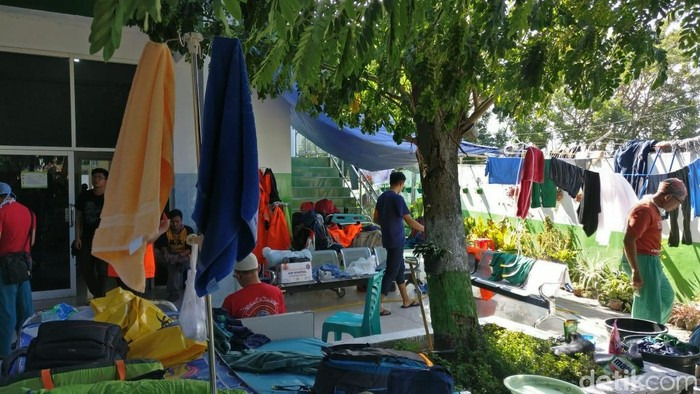 Bagian belakang RS Wirabuana disulap jadi tempat tinggal darurat relawan medis DKI Jakarta. Foto: Firdaus/detikHealth
