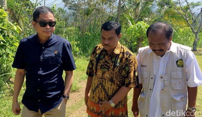 Setelah seharian di Palu, Jonan terbang ke Bali pada malam harinya.