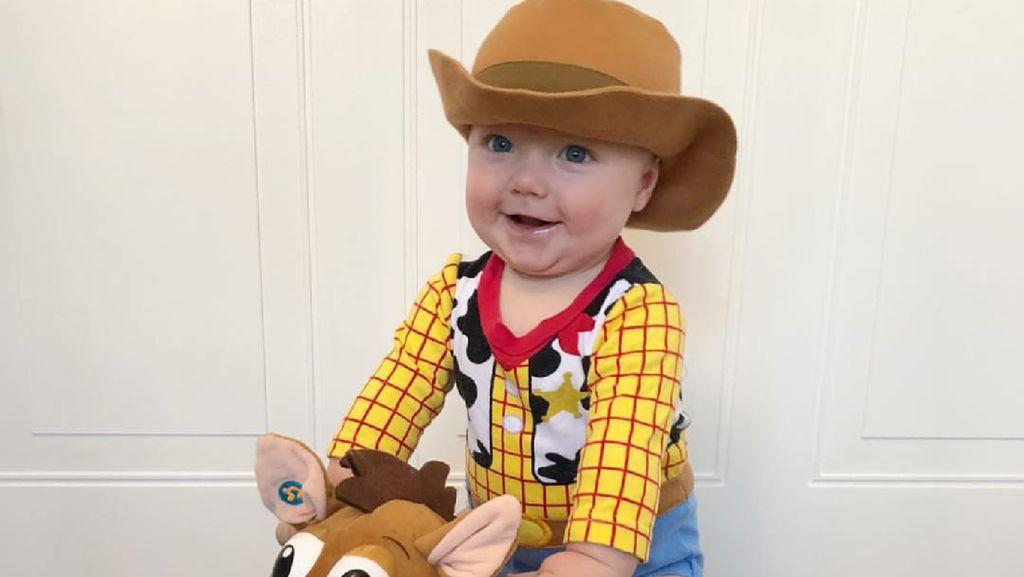 8 Potret Menggemaskan Bayi Mungil Berkostum Karakter Disney