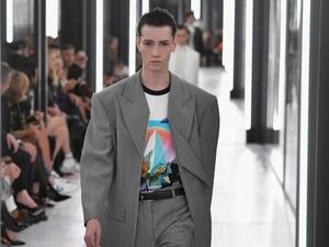 Louis Vuitton Pilih 4 Transgender untuk Jadi Model Paris Fashion Week