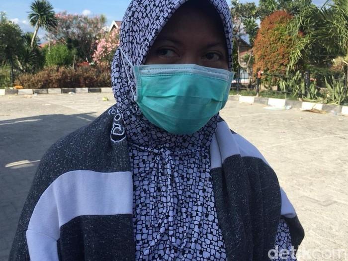 Nurhayati, perawat RSUD Anutapura, Palu yang sempat tertimbun reruntuhan gempa (Foto: Firdaus/detikHealth)