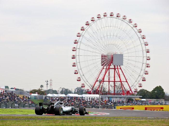 Lewis Hamilton tercepat lagi di latihan bebas kedua GP Jepang. (Foto: Charles Coates/Getty Images)
