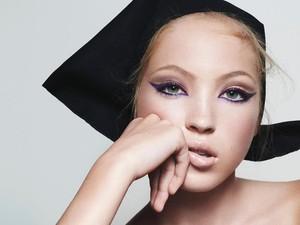 Cantiknya Putri Kate Moss Jadi Bintang Iklan Marc Jacobs