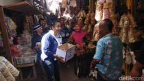 Peduli Sulteng, Pedangdut Pantura Ngamen di Pasar Cirebon
