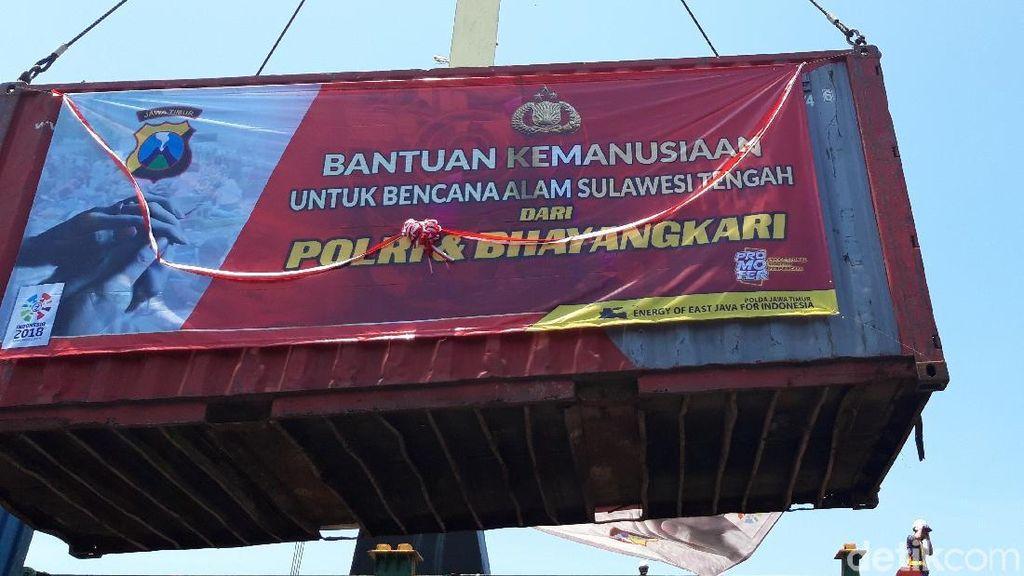 Polda Jatim Kirim 17 Kontainer Sembako ke Korban Gempa Sulteng