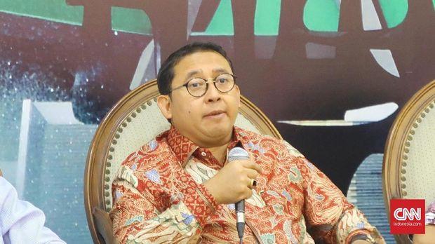 Wakil Ketua DPR Fadli Zon menjelaskan kronologi dibohongi aktivis Ratna Sarumpaet di kompleks parlemen, Jakarta, Jumat (5/10).
