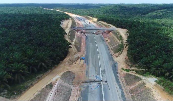 Tol ini menjadi jalan bebas hambatan pertama yang dibangun di Provinsi Riau. Pool/Hutama Karya.