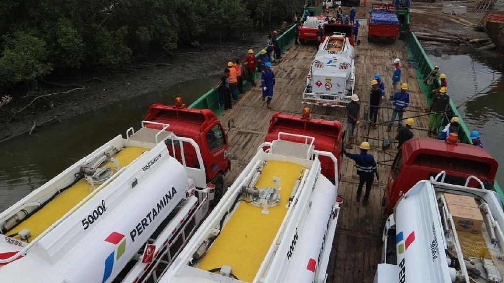 Pertamina Kirimkan Mobil Tangki Bermuatan 640 Ton ke Lokasi Gempa