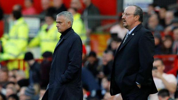 Rafael Benitez bakal terancam Jose Mourinho bila Newcastle berganti kepemilikan.