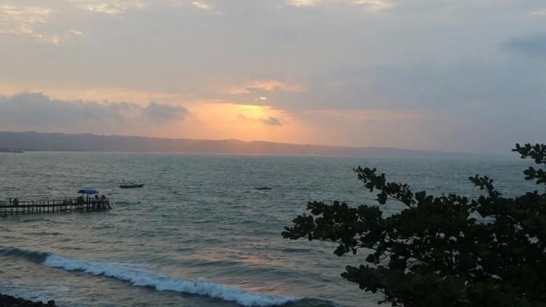 Pantai Pangandaran (Nfadils/dTraveler)