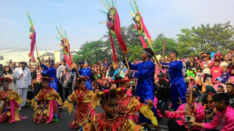 Foto:   ilustrasi pawai budaya jawa barat (dok Disbudpar Kota Bekasi)