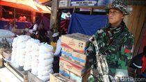 TNI Jaga Bantuan untuk Korban Gempa Sulteng