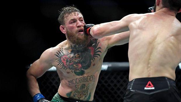 Menurut sang ayah, Khabib Nurmagomedov sudah berhasil menaklukkan Conor McGregor dengan mutlak.