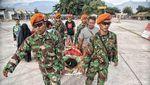 Melihat Perjuangan TNI Bantu Korban Gempa Palu