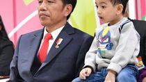 6 Gaya Stylish Cucu Jokowi Jan Ethes, Pakai Baju Harga Rp 4 Jutaan