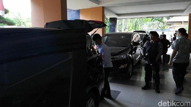 KPK Geledah Kantor, Rumdin dan Rumah Pribadi Walkot Pasuruan/