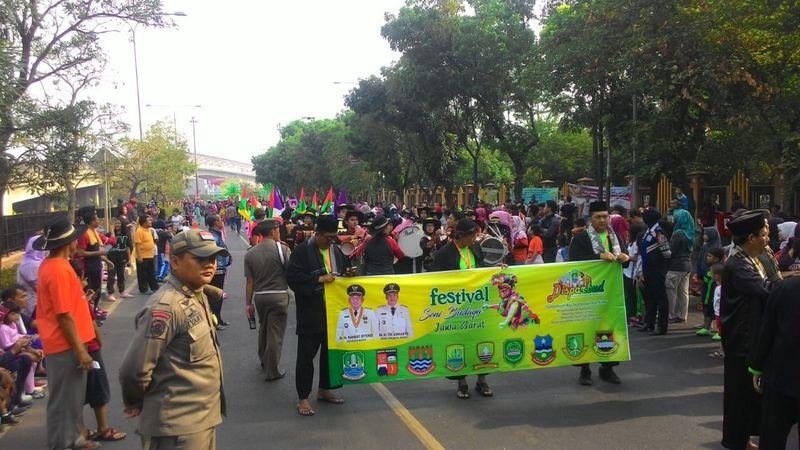 Dilangsungkan untuk yang kedua kalinya, perhelatan Festival Pawai Budaya Jawa Barat dimulai dari depan kantor Pemkot Bekasi (dok Disbudpar Kota Bekasi)
