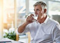 7 Manfaat Kesehatan Ini Bisa Didapat Kalau Minum Air Hangat Pagi Hari