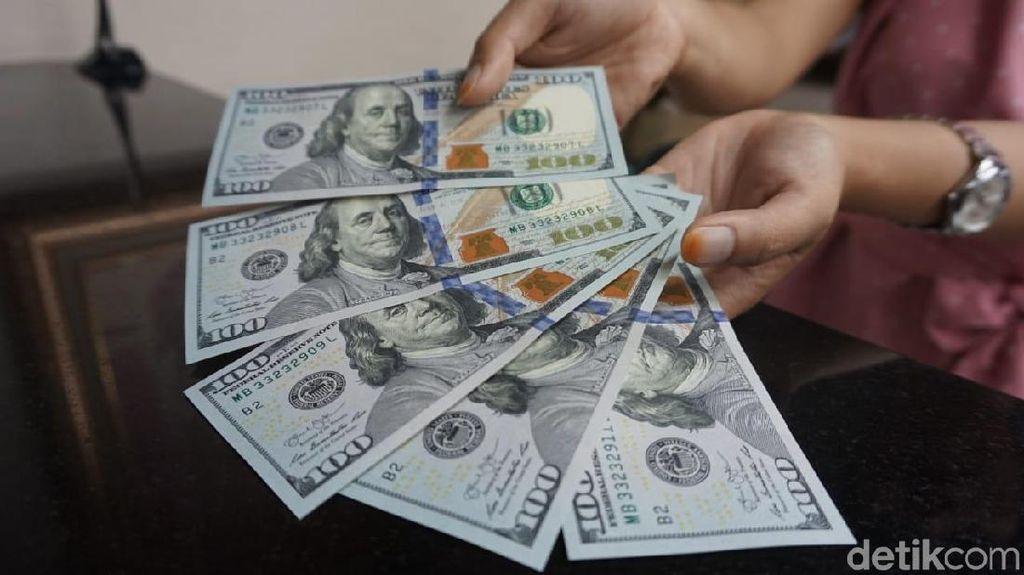 Dolar AS Lengser dari Rp 15.200