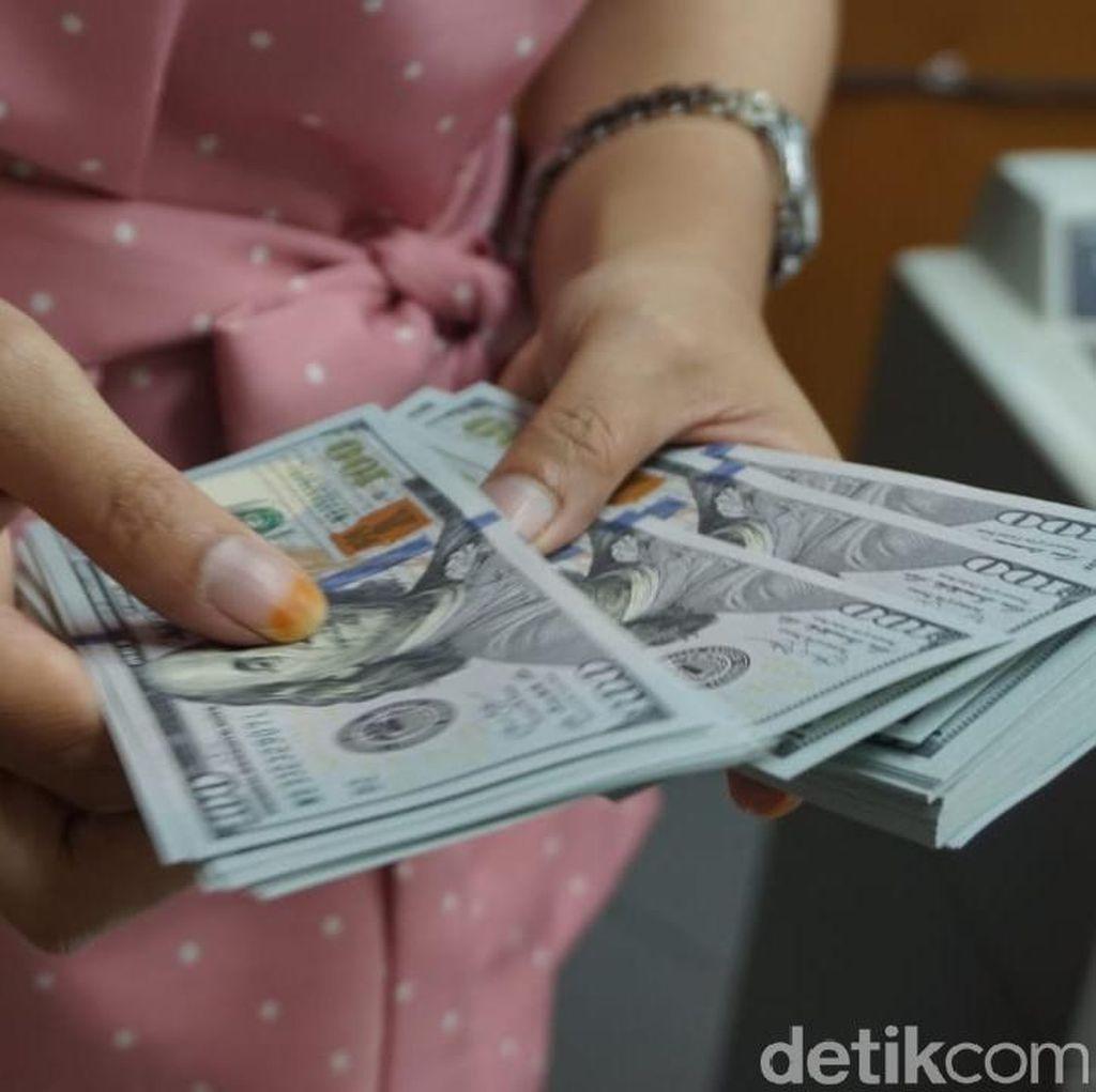 Dolar AS Kembali Dekati Rp 15.200