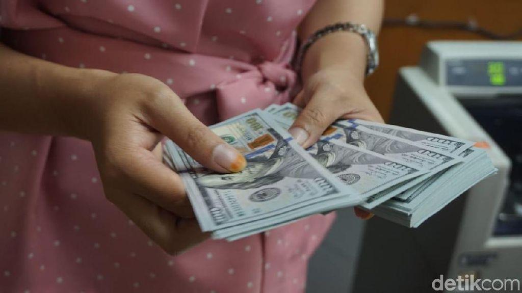 Dolar AS Masih Betah di Rp 14.100