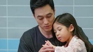 6 Potret Kebapakan Aktor Tampan So Ji Sub