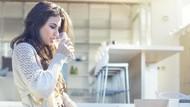 Minumlah Air Hangat di Pagi Hari dan Dapatkan 7 Manfaat Sehat Ini