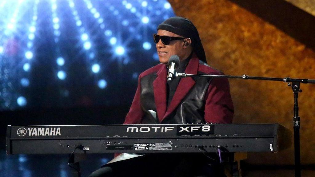 Musisi Stevie Wonder Akan Jalani Transplantasi Ginjal