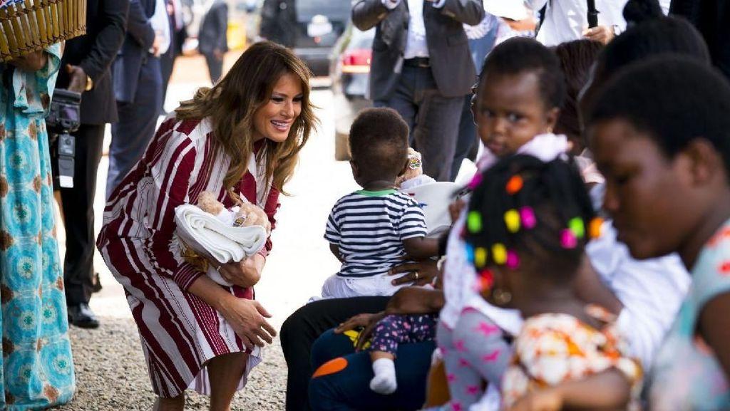 Foto: Pertama Kalinya Melania Trump Berkunjung ke Afrika