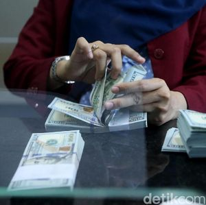 Dolar AS Loyo ke Rp 14.058