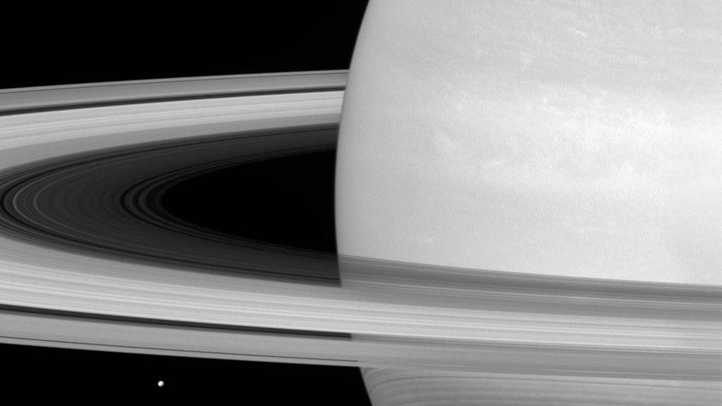 Bunuh Diri Cassini dan Hujan Material 45 Ribu Kg di Saturnus