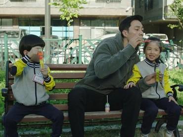 Belum jadi ayah, So Ji Sub terlihat kebapakan ya, Bun? (Foto: Instagram @okta.51k)