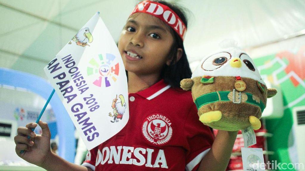 Momo si Maskot Asian Para Games Diserbu Pembeli