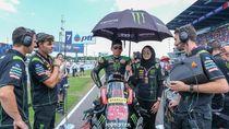 Umbrella Girl Cantik Berhijab Curi Perhatian di Moto GP Thailand