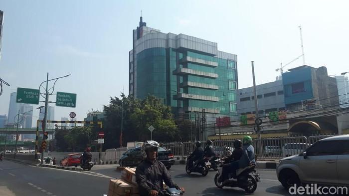 Ilustrasi Jakarta, ilustrasi cuaca panas, ilustrasi lalu lintas lancar, Mampang