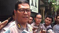 Saling Puji Amien Rais-Polisi
