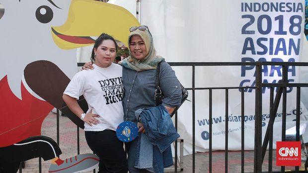 Namira Zania bersama sang ibu.