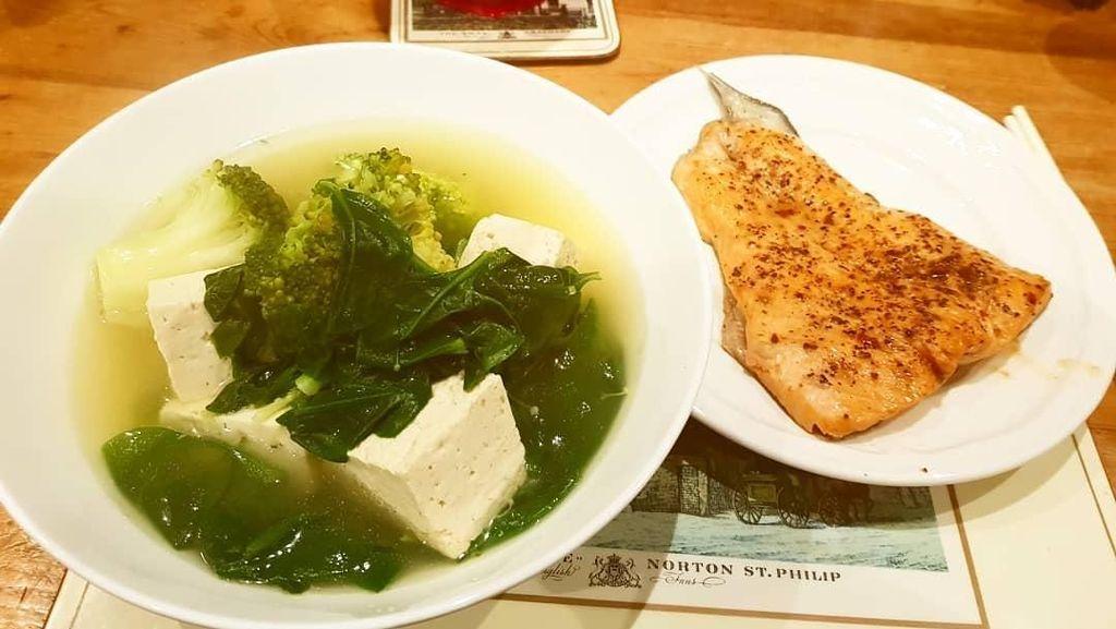 Segar Gurih Semangkuk Sup Ikan Gurame yang Menggoda Selera